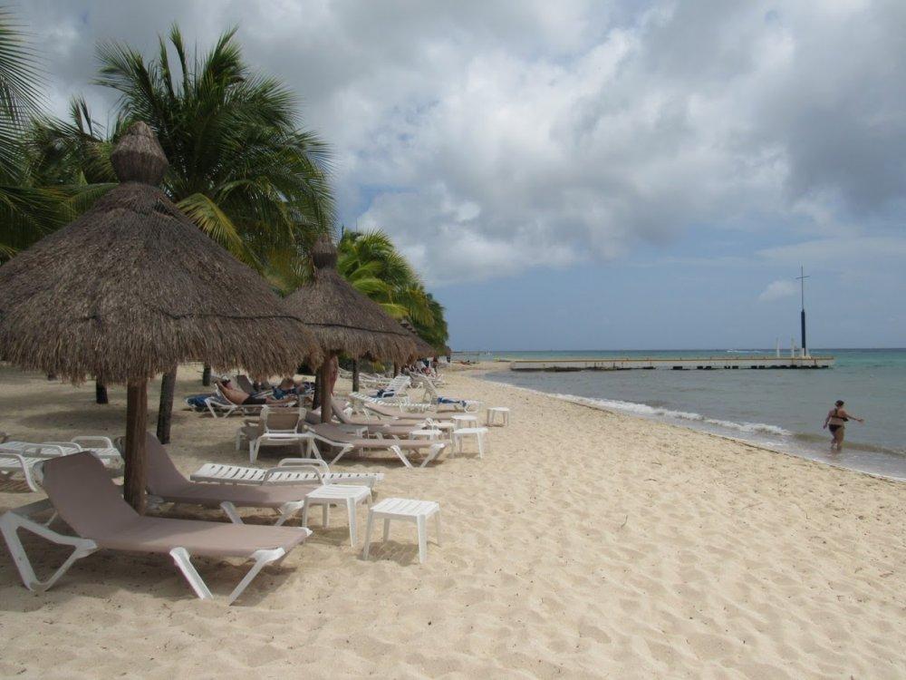 593afa82c4aac_BeachPalapas.thumb.JPG.5f2670bd7068c3b469c5be6521cc3317.JPG