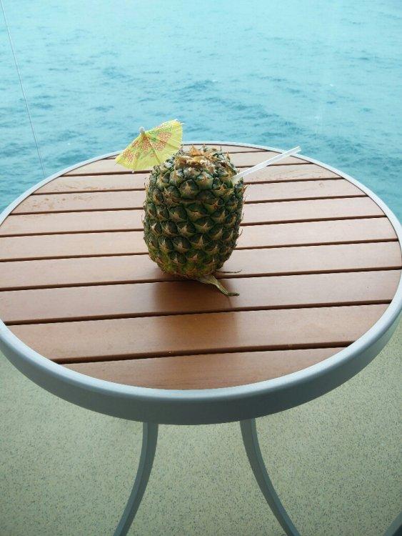 Pineapple.thumb.jpg.d87f65ca89f012d51f46362e4bc58924.jpg