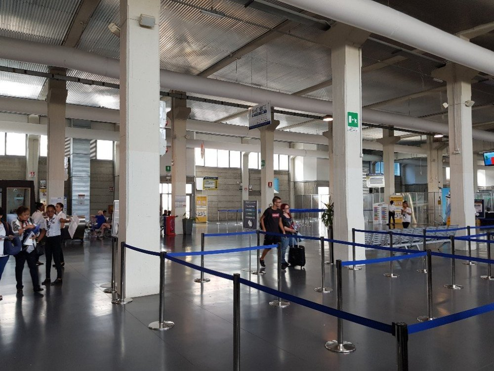 terminal.thumb.jpg.76d1a5586b80b9ffde627479b6825fa5.jpg