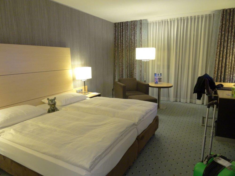 Maritim Room.jpg