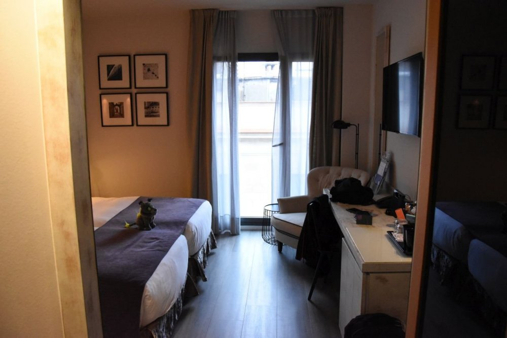 Barcelona Catedral Room.jpg