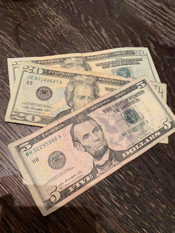 money.thumb.jpg.85a87071213ca488acab26e4f72e4d26.jpg