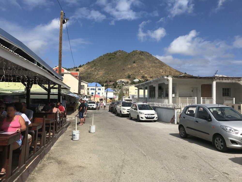 Day_4-St_Maarten_Restaurant_A.thumb.jpg.a26b9a630725a12a2e13ca6186e655c3.jpg