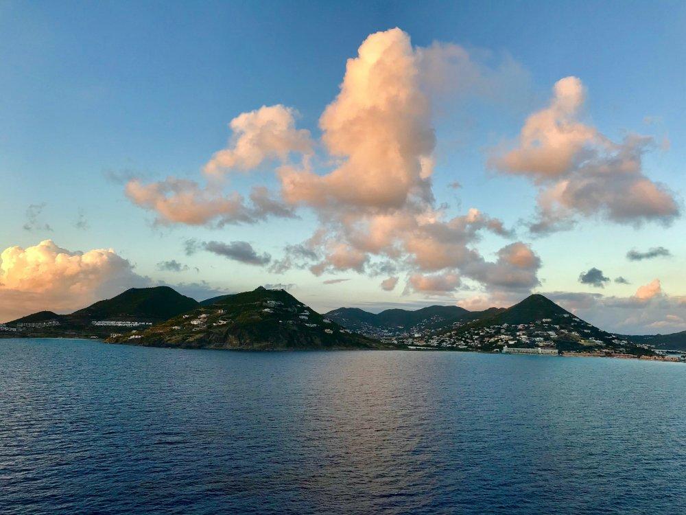Day_4-St_Maarten_Sailaway_C.thumb.jpg.d1a603f9d958f1a0319af5e81c015780.jpg
