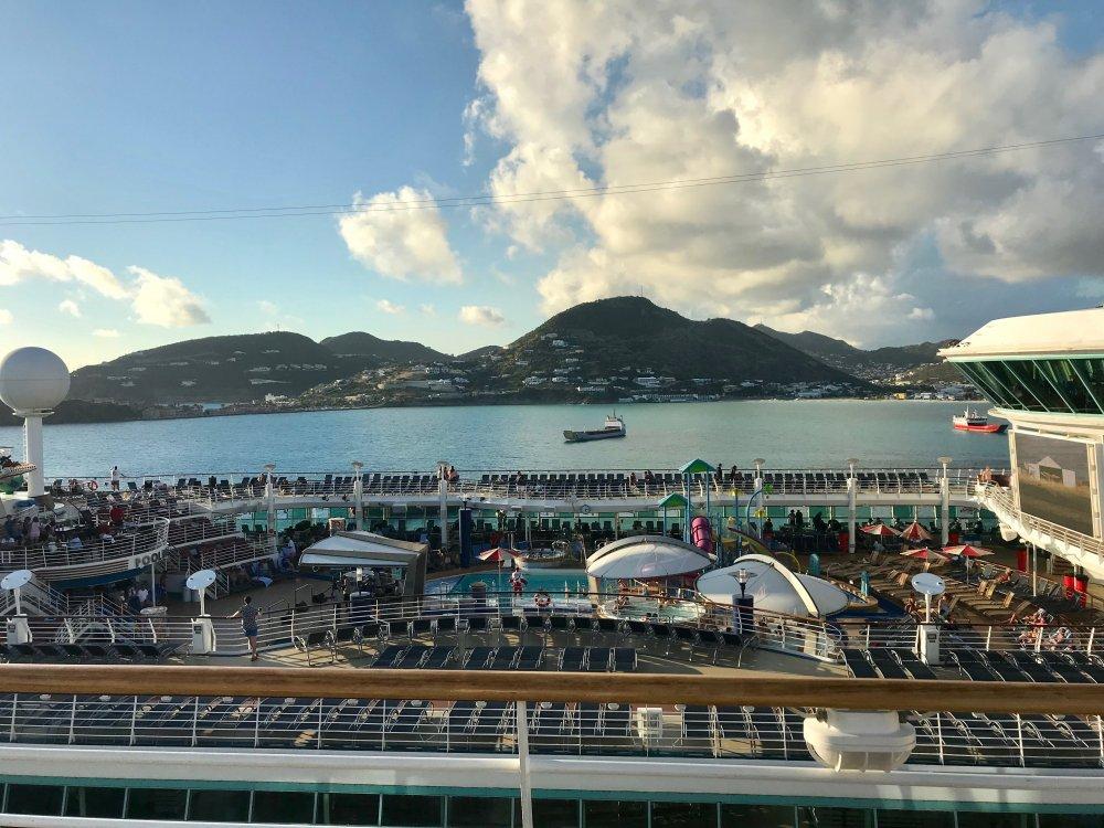 Day_4-St_Maarten_Sailaway_Indy.thumb.jpg.5f01f13bbe17382f1d3745779e15d98e.jpg