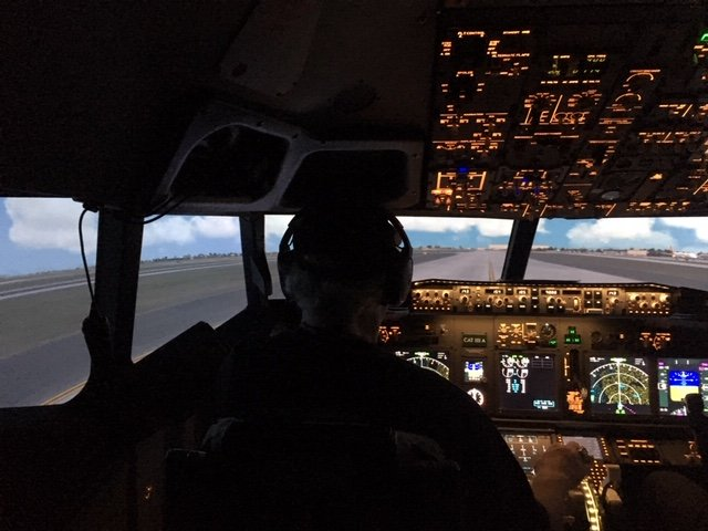 Jetline Simulations_Cockpit.JPG