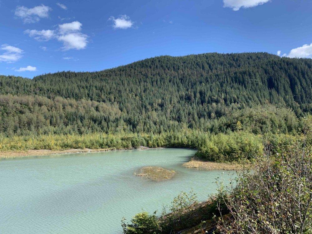Lake.thumb.jpg.e30fa924953f5841b61b81e9a8ced91a.jpg