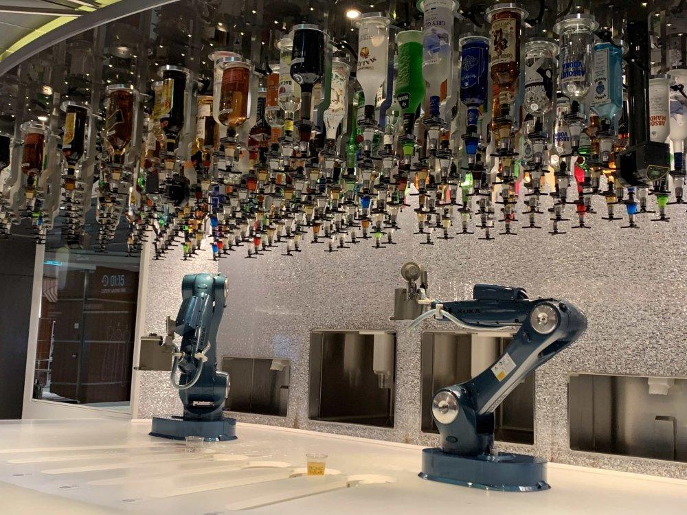 Robots.thumb.jpg.e7e3a3f434442da2b3a2a34e22ca3482.jpg