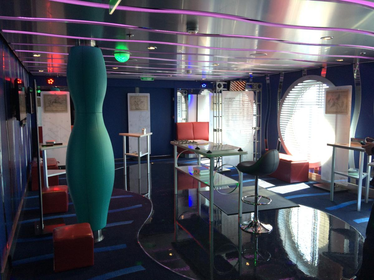 Photos from inside puzzle break on anthem of the seas for Anthem of the seas inside cabins
