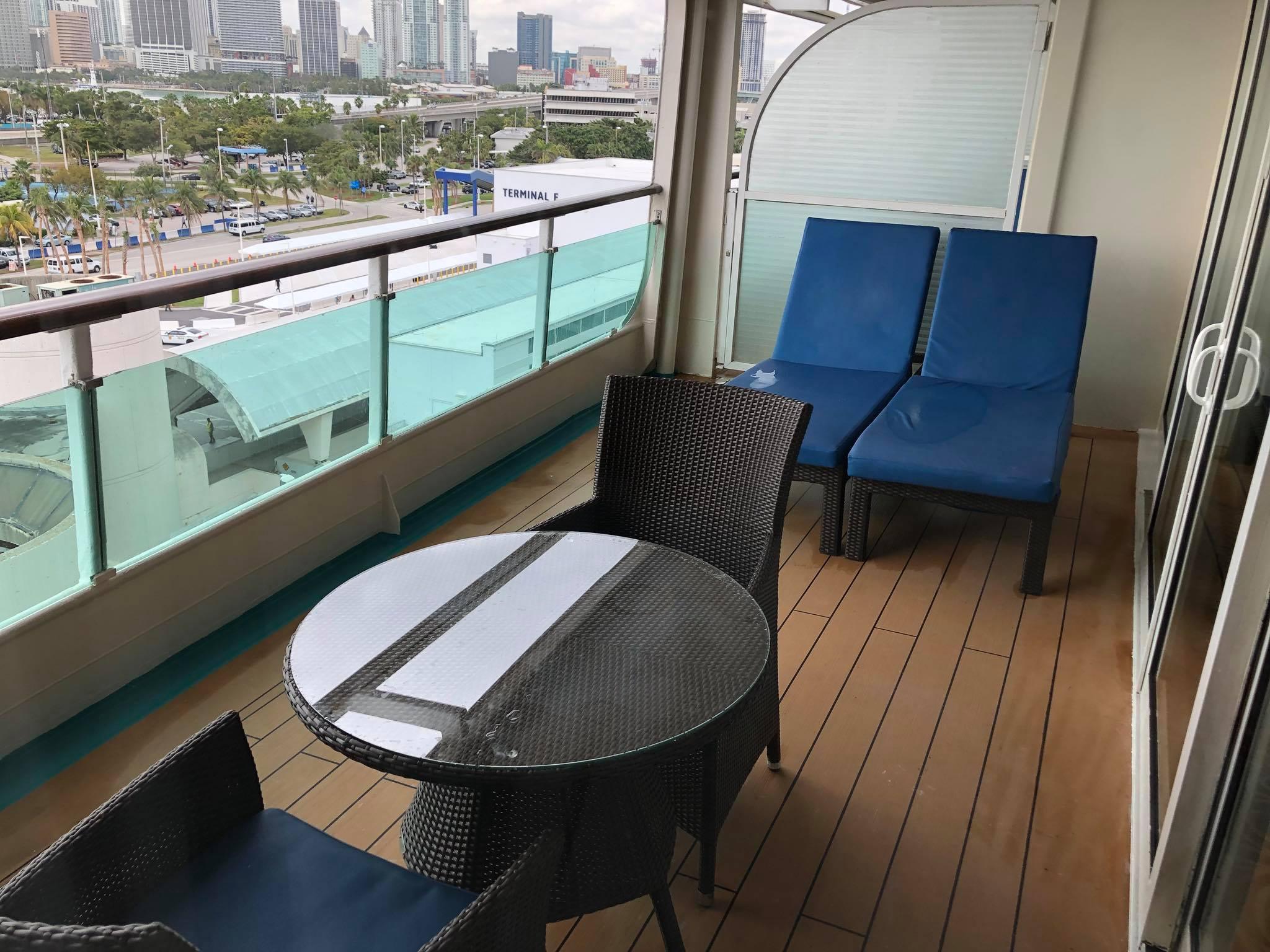 Photo Tour Of Enchantment Of The Seas Royal Suite