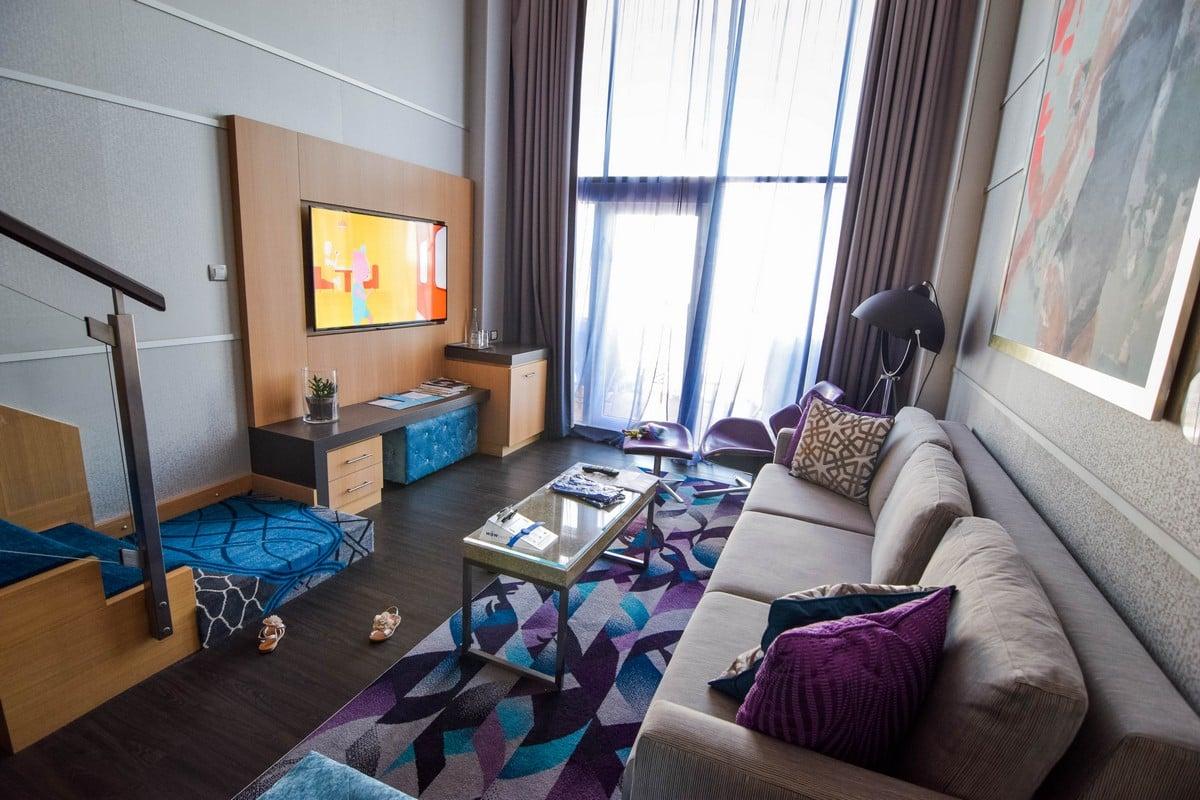 Photo Tour Of Category L2 Crown Loft Suite On Royal