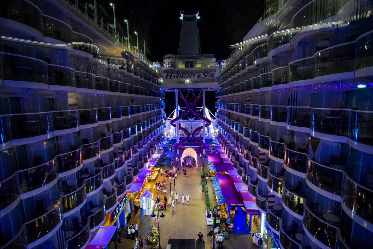 Explore The Beauty Of Caribbean: Harmony Of The Seas Night Photos