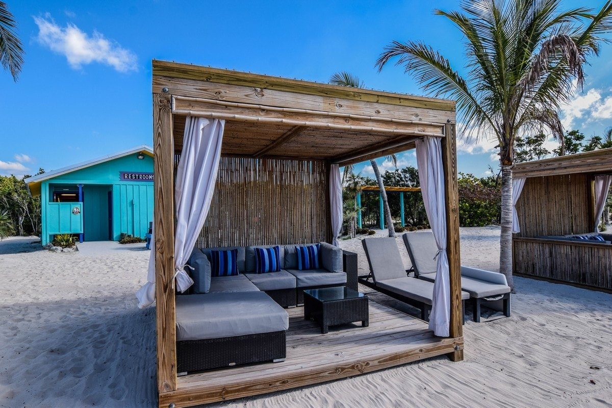 spotlight cococay beach bungalows royal caribbean blog. Black Bedroom Furniture Sets. Home Design Ideas