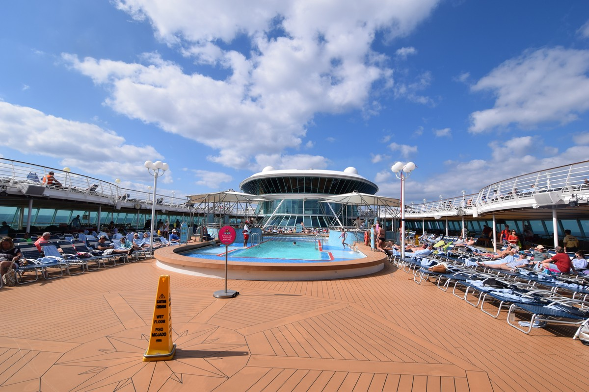 World's largest cruise ship ready for 7 seas