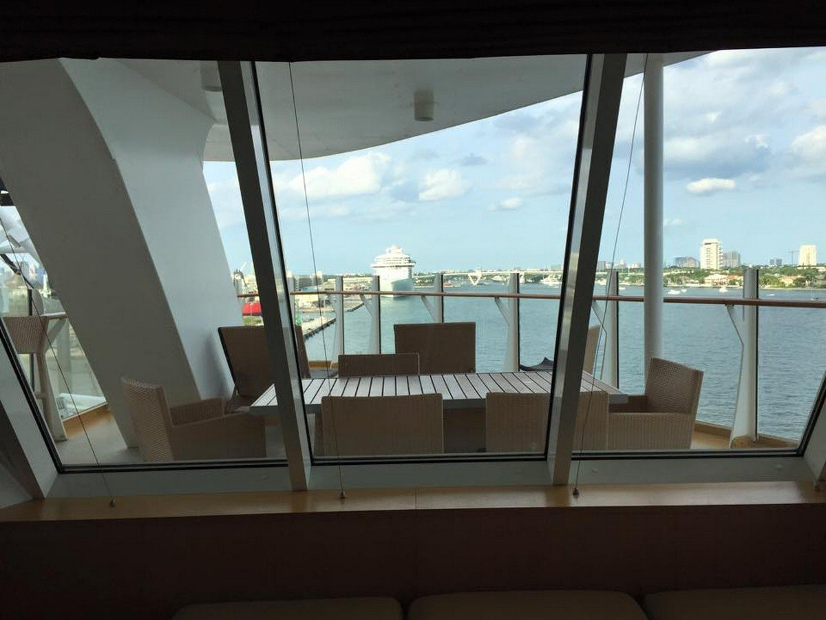 Photo Tour Of Oasis Of The Seas Aquatheater Suite Category A1 Stateroom Royal Caribbean Blog