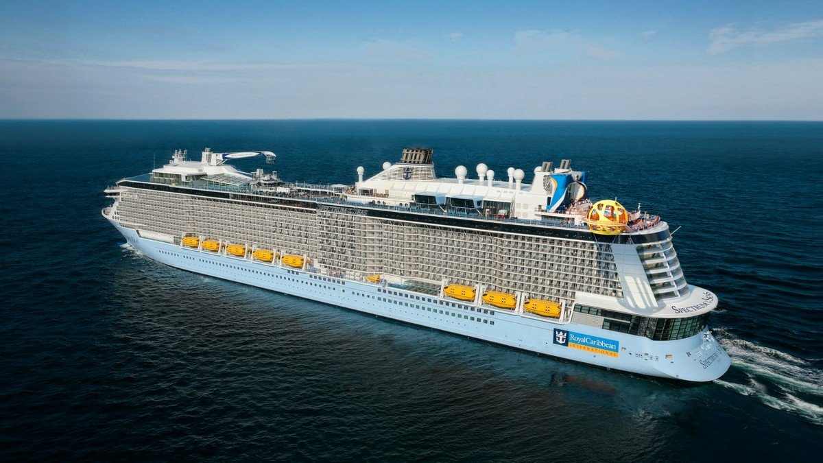 Royal Caribbean will move Spectrum of the Seas to offer complimentary cruises to Australia's first responders