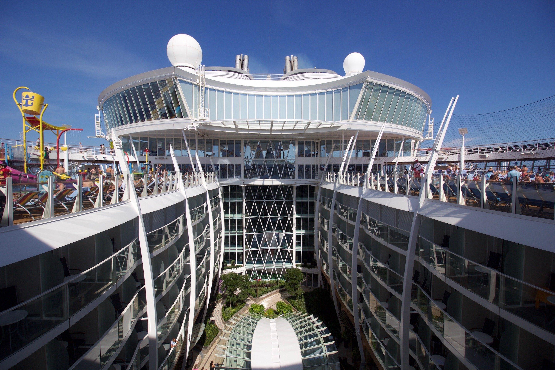harmony of the seas live blog michael u0027s day 2 sea day royal