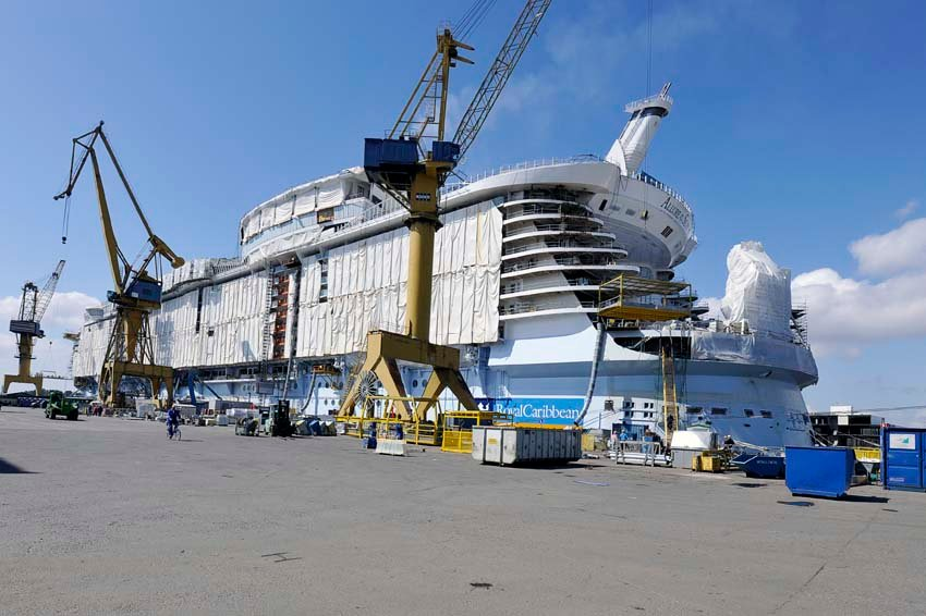 Royal caribbean orders fifth oasis class cruise ship for Sunshine construction