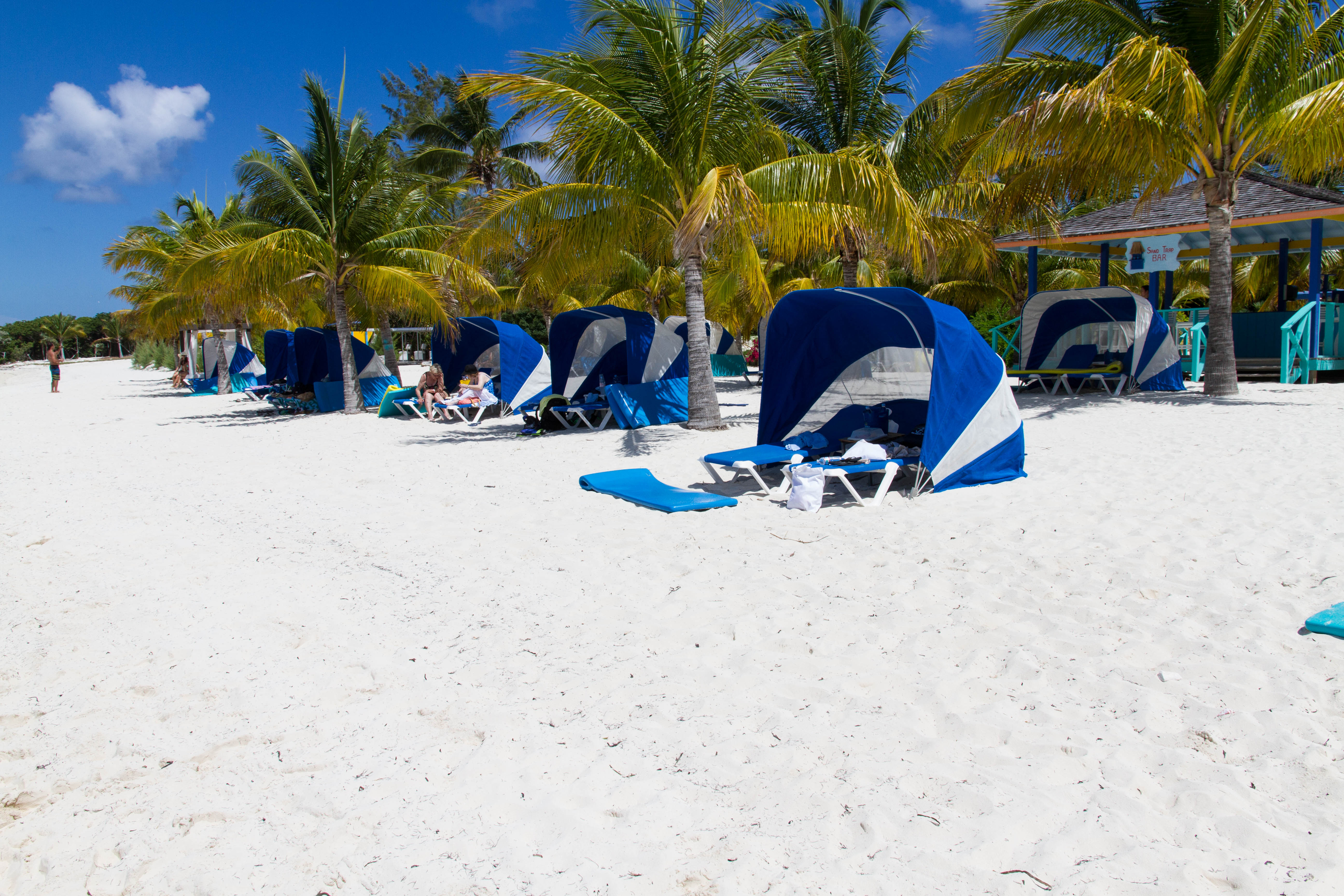 What You Need To Know About Cococay Beach Loungers Royal Caribbean Blog