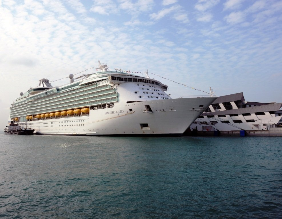 Royal Caribbean Signs Deal With Singapore To Create Regional Cruise Hub  Roy