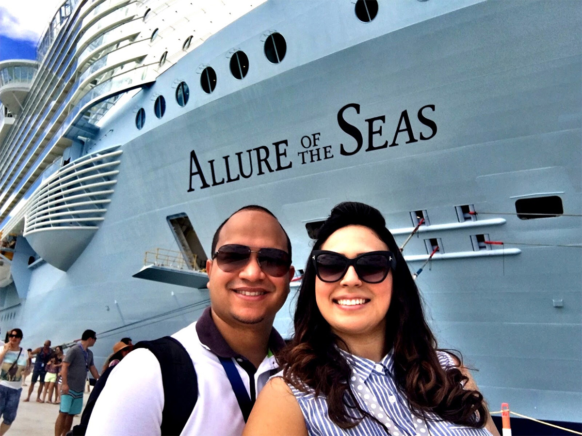 Royal caribbean diamond jubilee party a success cruise international - Each Week We Ask Our Readers To Send Us Royal Caribbean Photos To Share On The Blog