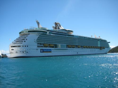 Difference between celebrity and royal caribbean