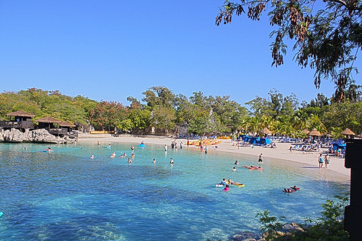 photo tour cabanas in labadee royal caribbean blog