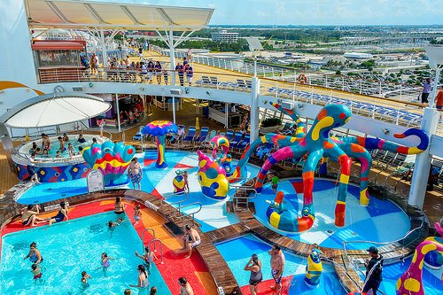 First Time Cruisers Comparing Royal Caribbean S Oasis
