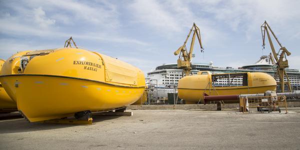 Photos Of Explorer Of The Seas Drydock Royal Caribbean Blog