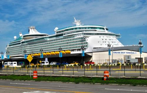 Galveston Cruise Terminal Expansion Delayed And Over Budget - Cruise ship delayed