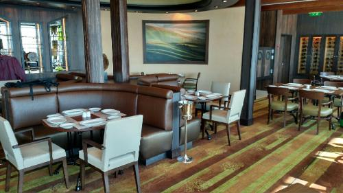 Post drydock photos from freedom of the seas royal for Html table inside th