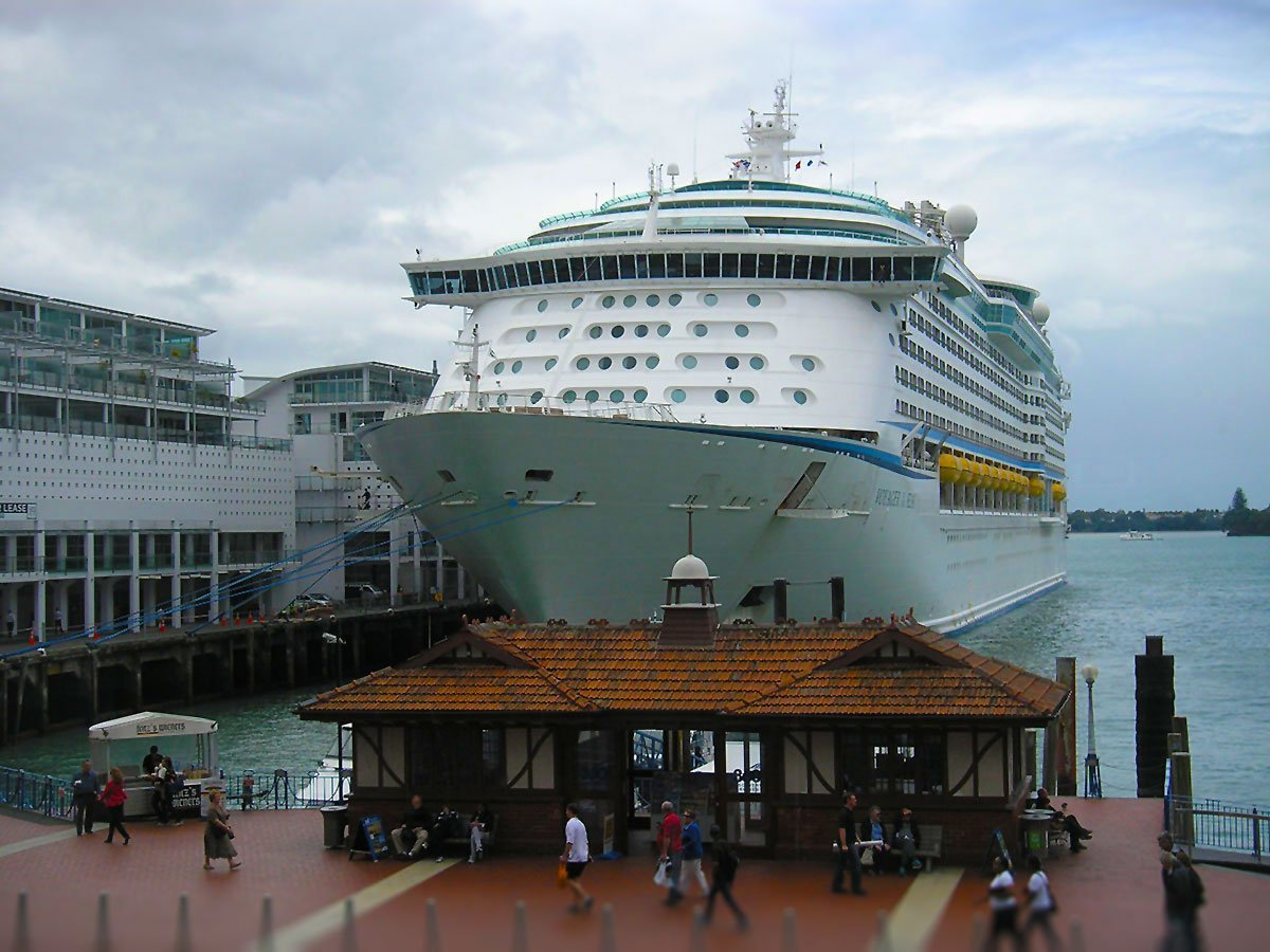 Photo Report Voyager Of The Seas In Auckland New Zealand Royal Caribbean Blog