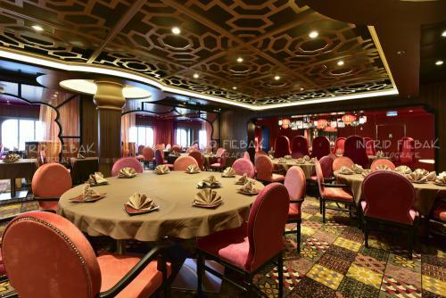 99 Days Of Quantum Quantum Of The Seas Interior Photos Royal Caribbean Blog