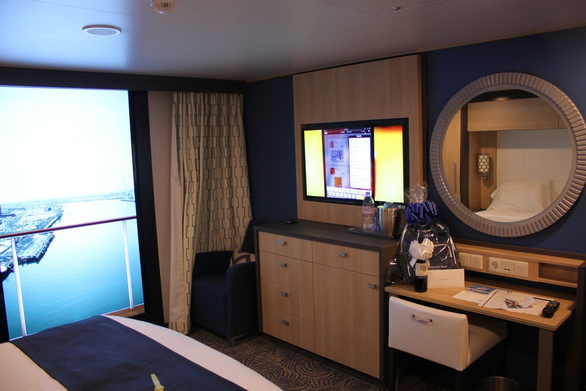 Photo tour of category l large interior stateroom with for Definition for balcony