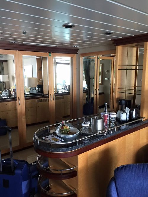 Photo Tour Of Grand Suite On Royal Caribbean S Freedom Of