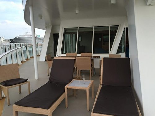 Photo Tour Of Oasis Of The Seas Aquatheater Suite Category