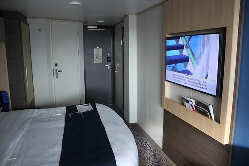 Photo tour of category d3 balcony stateroom on anthem of for Balcony definition