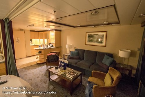 Photo Tour Of Grand Suite Stateroom On Oasis Of The Seas