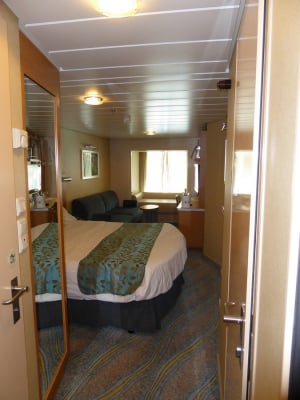 Photo Tour Of Category Cv Central Park View Stateroom On Allure Of The Seas Royal Caribbean Blog
